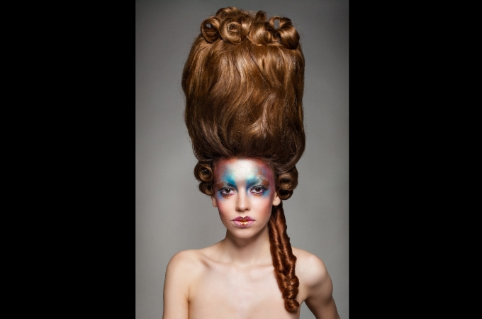 hair: Promakeupart, makeup: Sandra Flöther, photo: Sebastian Busse